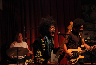 Hendrix Alive-Show (60s Rock by Asep Stone Experience)